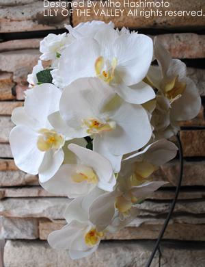 シルクフラワー「胡蝶蘭のティアドロップブーケ」