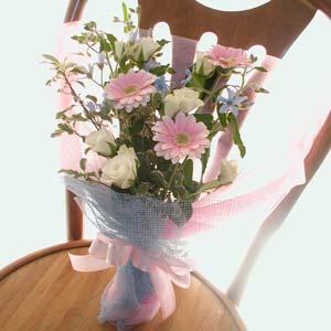 ボリュームを出す花束