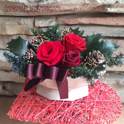プリザーブドフラワー 赤バラのクリスマスアレンジ